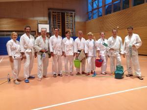 Aikido-Putztraining-20170726-2-sr. Gruppenbild: Julia, Guido, Sven Thomas, Connie, Oli, Karin, Melanie, Lars, Vitali.